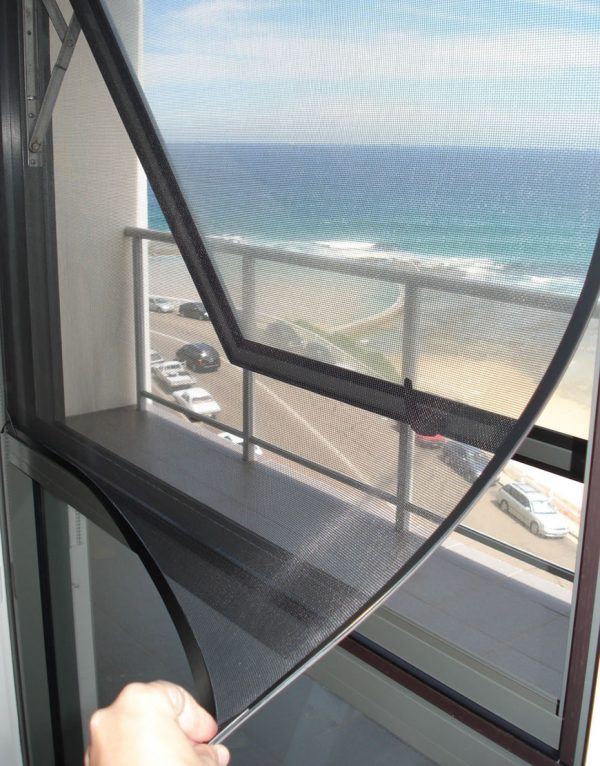 magnetic flyscreen for home windows